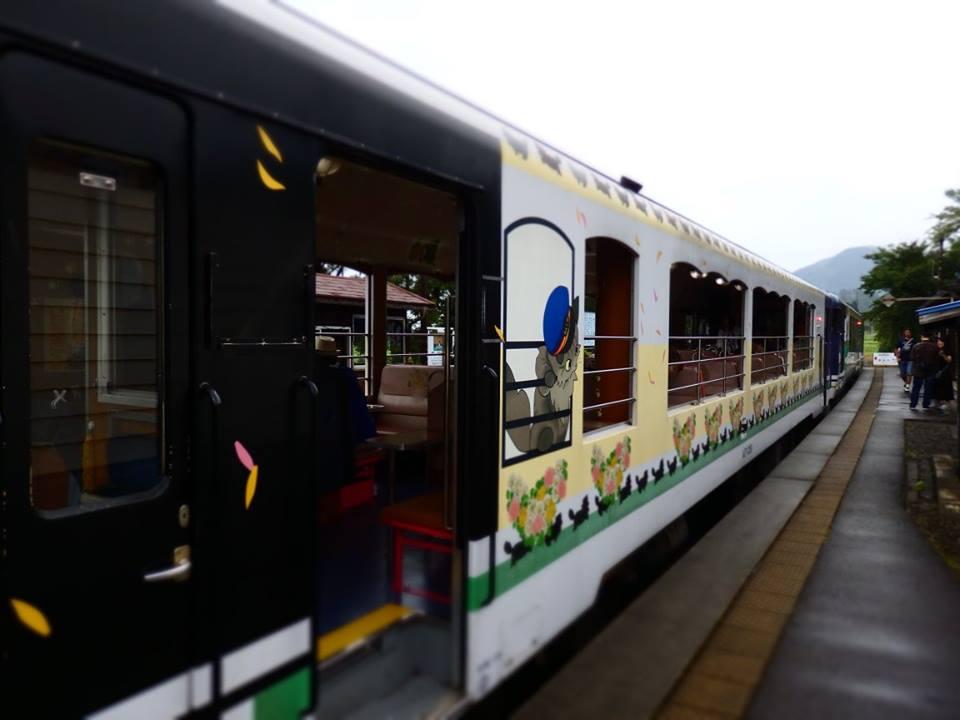 会津鉄道の「お座トロ展望列車」