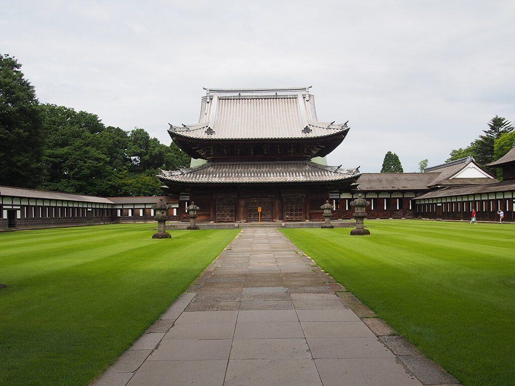 瑞龍寺の法堂(国宝)