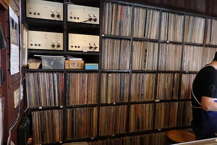 店内のレコード
