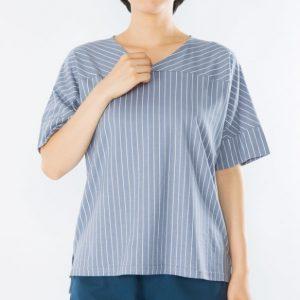 VネックストライプTシャツ
